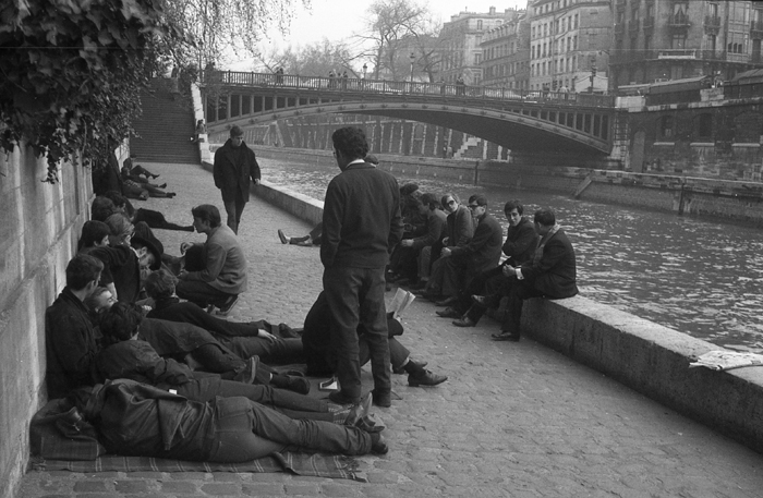 Parisian Beatniks Hanging Out by the Seine, 1965 (3)